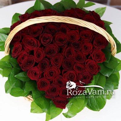 Сердце из 51 красной розы
