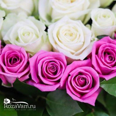 Корзина из 101 розы в виде сердца