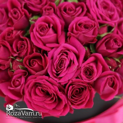 Коробка из кустовых роз S