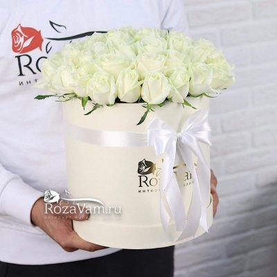 коробка из 51 белой розы