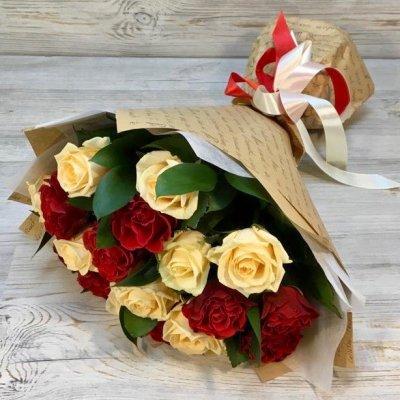 Букет из 19 микс роз (50 см)