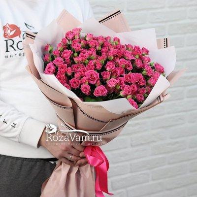 Букет из 25 кустовых малиновых роз