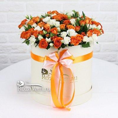 Коробка из 51 кустовой  розы