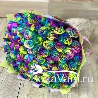 Букет из 75 радужных роз