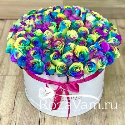 Радужные розы в коробке 101 шт