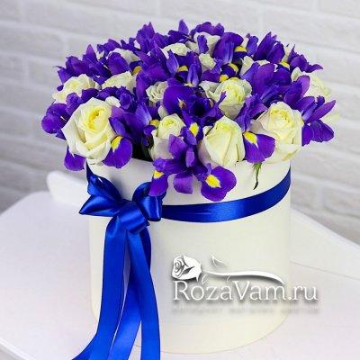 Коробка ирисов с белыми розами L