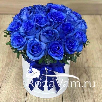 синие розы в коробке 15 шт