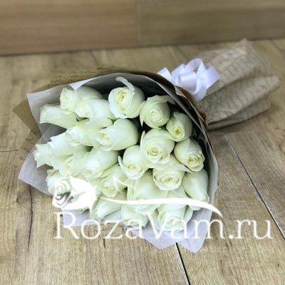 Букет из 25 белых  роз эквадор (50 см)