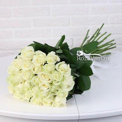 Букет из 29 белых  роз  70 см