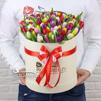 Коробка из 101 тюльпана микс
