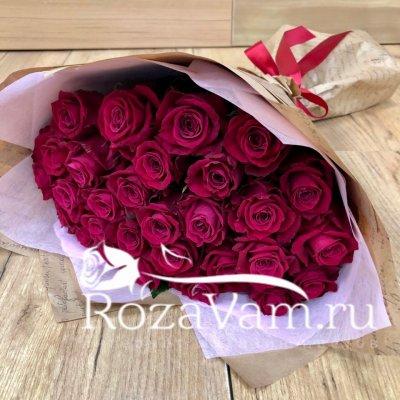 Букет из 29 малиновых роз