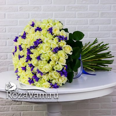 Букет из 101 розы с ирисами 50см