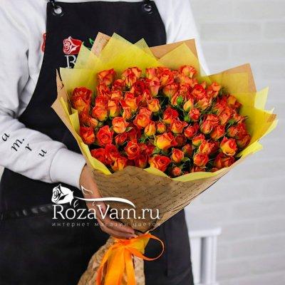 Букет кустовых роз 25 шт