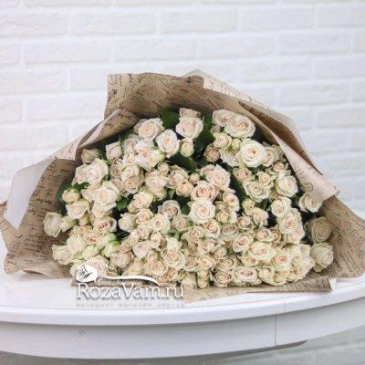 Букет из 25 кустовых роз Яна 70 см