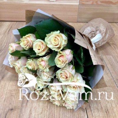 Букет из 19 крем роз талея