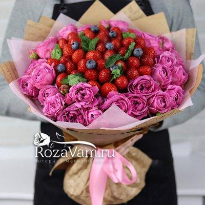 Букет клубники с пионовидной розой
