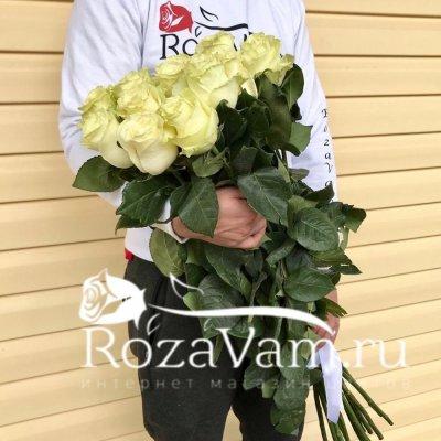 Букет из 15 метровых белых роз