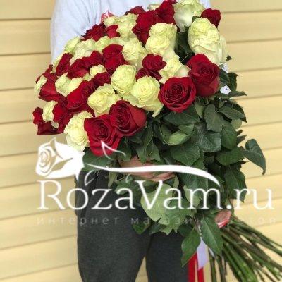 Букет из 51 метровой розы микс