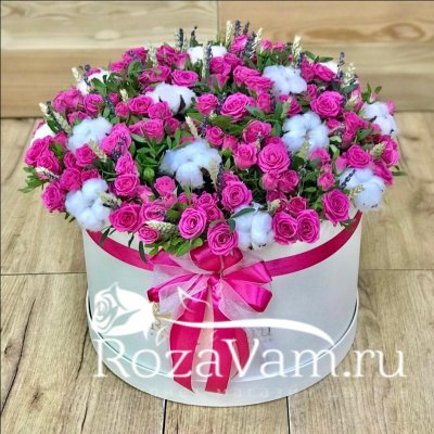 Коробка малиновых роз с лавандой XXL