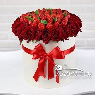 Клубничная коробка с розами