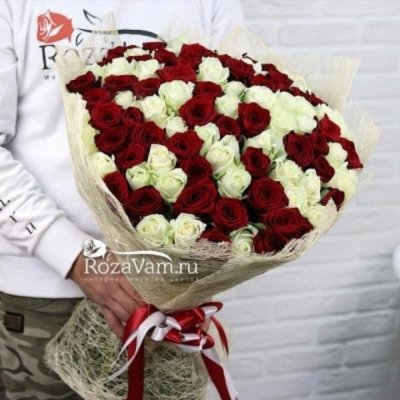 Букет из 101 красно-белой розы (70 см)