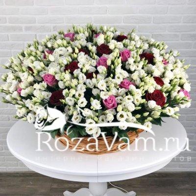 корзина из 150 эустом с розами