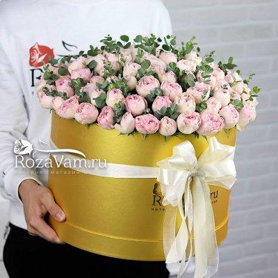 розовые пионовидные розы в коробке XL