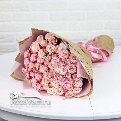 Букет из 25 нежно-розовых кустовых роз