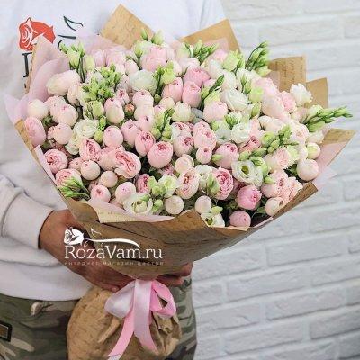 Букет пионовидных роз с эустомой
