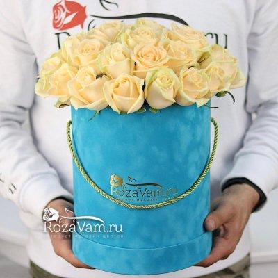 Коробка бархат из 29 кремовых роз