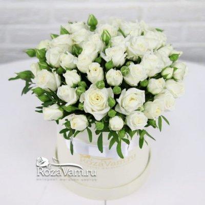 Коробка из белых кустовых роз S