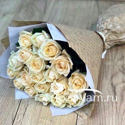 Букет из 19 кремовых роз (60 см)