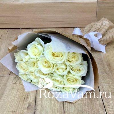 Букет из 19 белых роз (50 см)