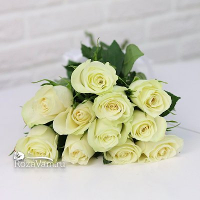 Букет из 11 белых роз (50 см)