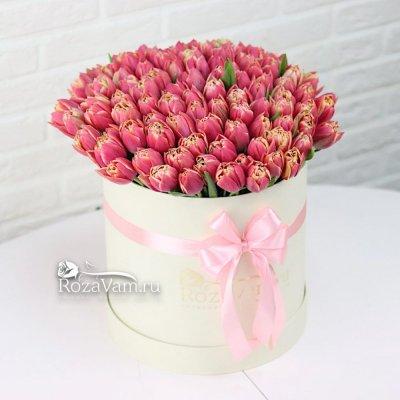 Коробка из 101 тюльпана