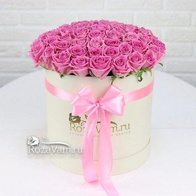 Кремовая коробка из 51 шт розы