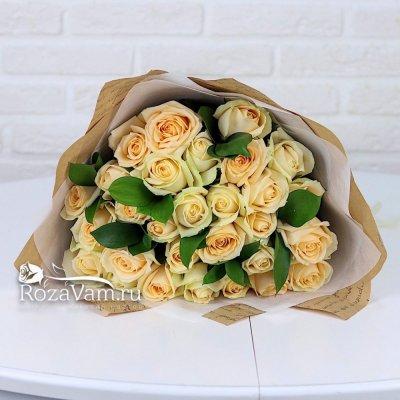 Букет из 29 кремовых роз (50 см)
