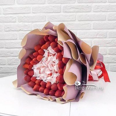 Клубничный букет с рафаэлло
