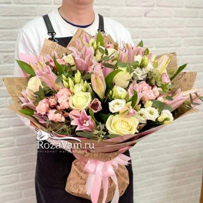 Авторский букет из розовых лилий