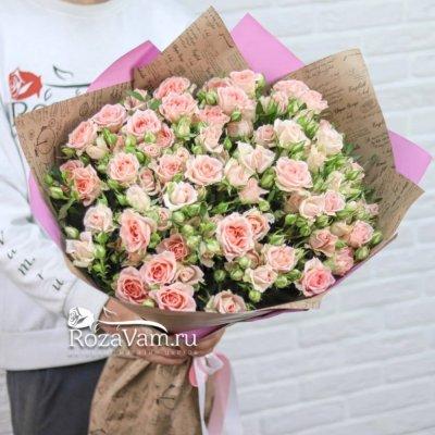 Букет из 15 кустовых роз Лидия 60 см