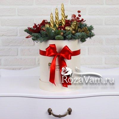 Новогодняя коробка кремовая