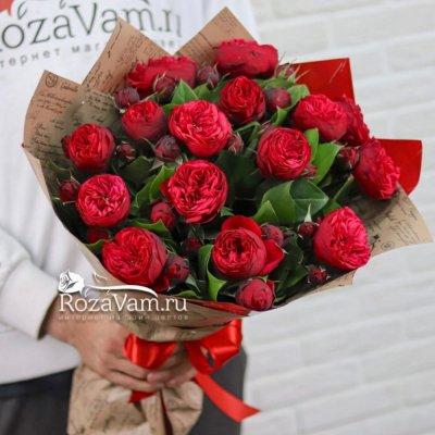 Букет из 15 пионовидных кустовых роз