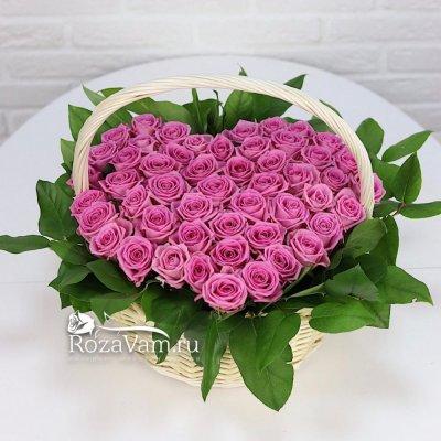Сердце из 51 розовой розы