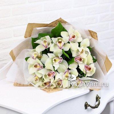 Букет из 15 орхидей