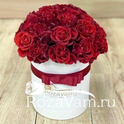 шляпная коробка с розами 25 шт