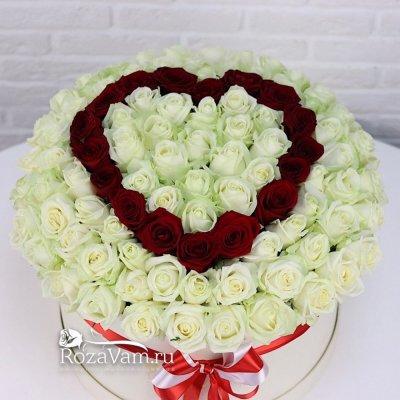 Сердце из 101 розы в шляпной коробке