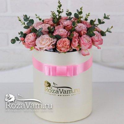 коробка из пионовидных кустовых роз бомбастик