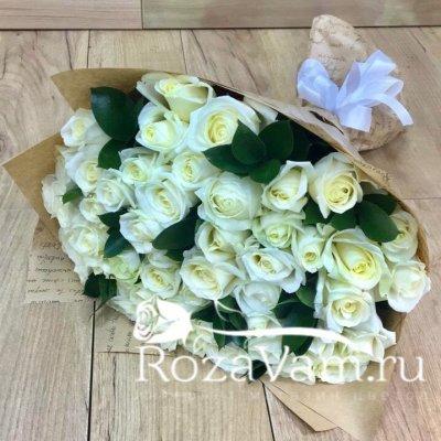 Букет из 51 розы (50 см) + зелень