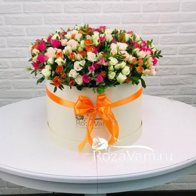 Коробка из 101 кустовой розы