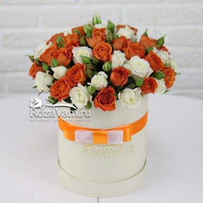 Шляпная коробка с кустовыми розами